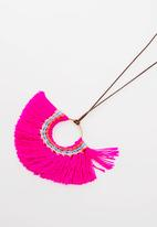 STYLE REPUBLIC - Tassel detail necklace - pink