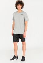 Nike - Dry tee with short sleeves tee - grey