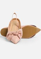 STYLE REPUBLIC - Bow Detail Pump - Pink
