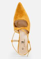 STYLE REPUBLIC - Cross strap stiletto - yellow