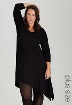 STYLE REPUBLIC PLUS - Hanky Hem Tunic with 3/4 Sleeve Black