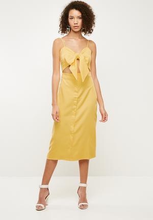 Tie front button down strappy midi dress - yellow