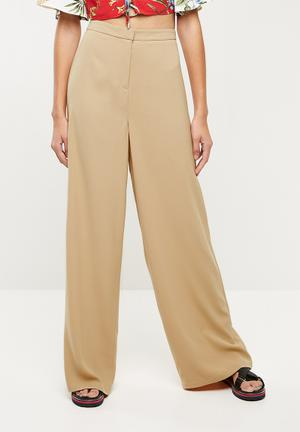 Premium core wide leg trouser - beige