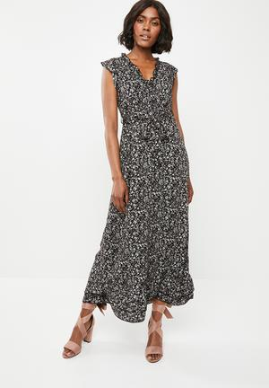 aa83c796999 V-neck empire line frilled midi dress - black