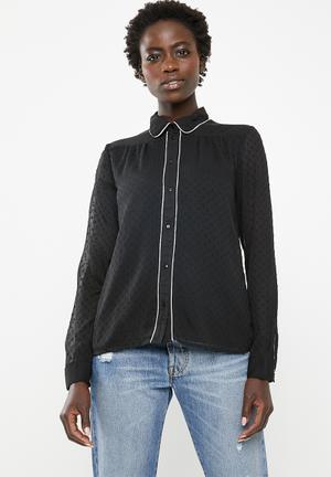 Macy shirt - black