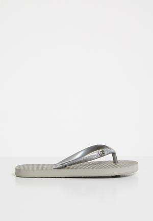 fd033aab7be1 Little treasure flip flops - grey