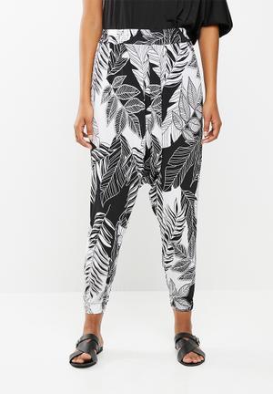 13c19bab516 Leaf print harem trouser - multi