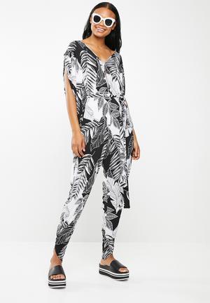 0340ef58ab1 Leaf print jumpsuit - black   white