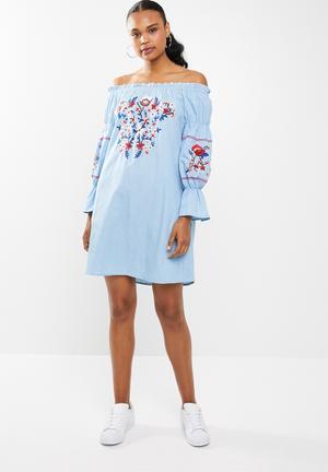 f90faf8af2f2 STYLE REPUBLIC Shift dress for Women | Buy Shift dress Online ...