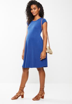 6407e51f6af Maternity Dresses   Jumpsuits Online