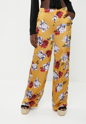 a3af1002ba85 Floral wide leg trousers - yellow