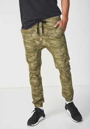 0b72b055a99 Men's Jeans, Pants & Shorts   Levi's, G-Star RAW + Cotton On   South ...