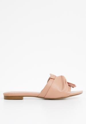 Knotted slide sandal - pink 938428074