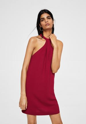 Halter neck dress - red