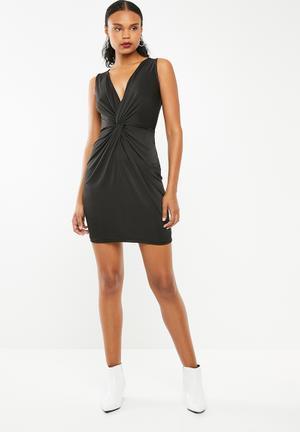 52cf0a2e6ee Knot front detail dress - black