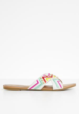 786630109a42 Print Multi Shoes for Women