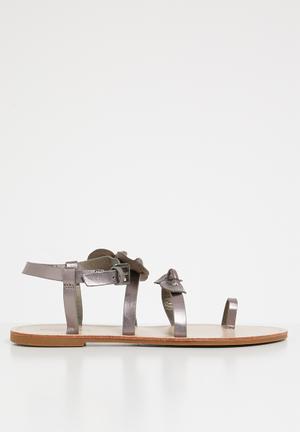 ac5bbef17454 Hania sandals - grey
