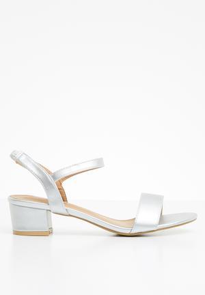 19b02879a04 Strappy sandal heels - silver