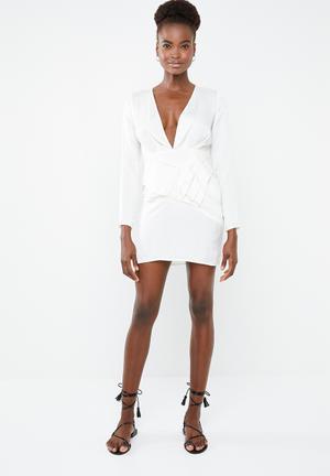 5b77cbbae465 Silky long sleeve panelled shift dress - cream