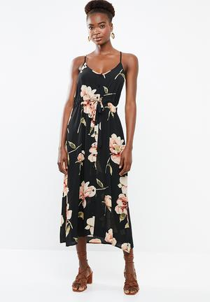 02860f982588a6 Cami strap floral maxi with tie waist - black