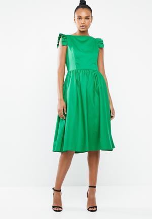 fc606ef6bb8c Structured fit And flare dress - green