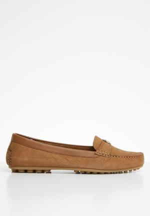 f2a19cb38 Leather slip-on loafer - tan