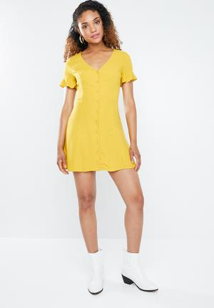 5089be3150f Frill sleeve tea dress - yellow
