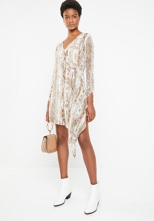4002330ffd8 Ring detail dress - brown   white