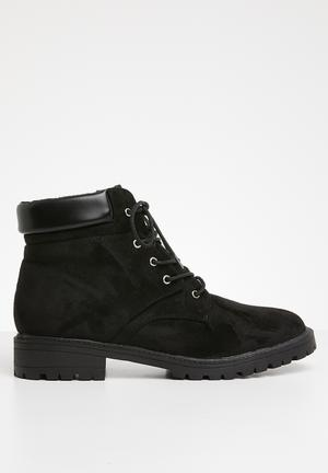 Jamie lace up boot - black