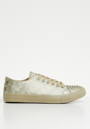 d473b941c3ba Snake skin sneaker - gold