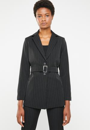 Structured belted blazer - black
