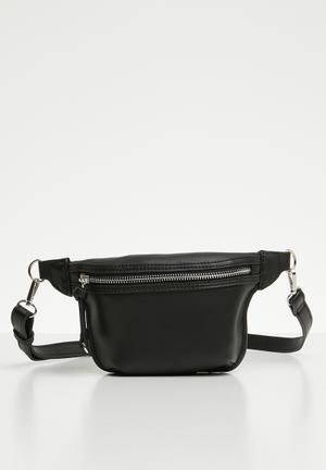 e7ae30ed79 Zip detail belt bag - black