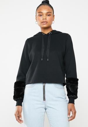 a8b82854728 Myra hoodie with faux fur cuffs - black