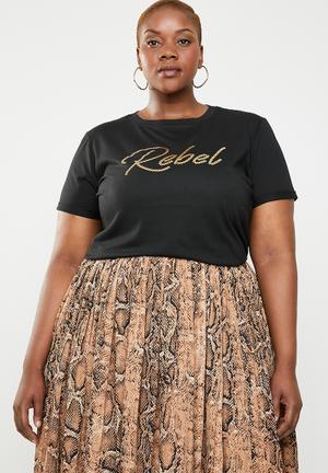 66da2c6aa4296 Rebel T-shirt - black