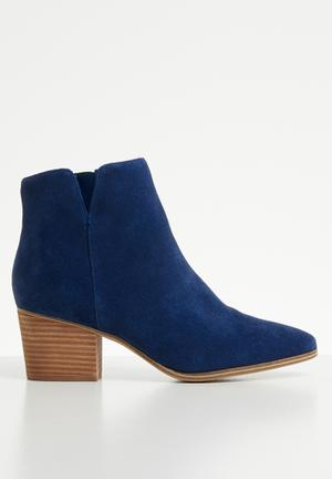 a925937f7d4 Suede ankle boot - navy