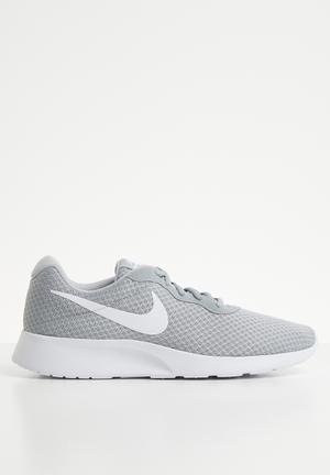 3f76f9022d7d Nike tanjun sneakers - grey