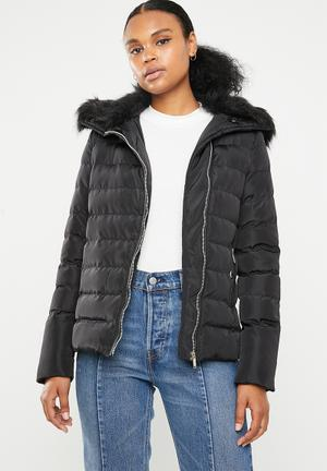 Padded jacket with detachable faux fur collar - black