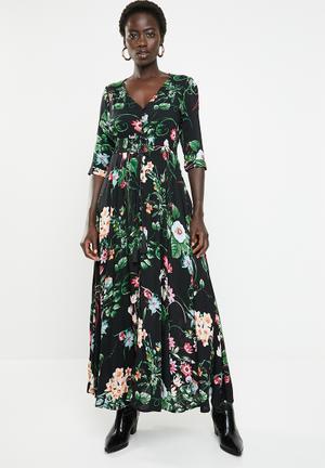 b0cb77c0ea8b9 3 4 Sleeve floral v-neck maxi dress - multi