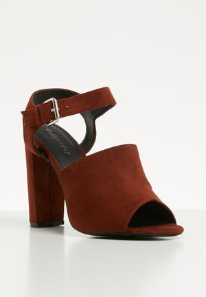 099670ceb9c4 Ankle strap block heel - burgundy