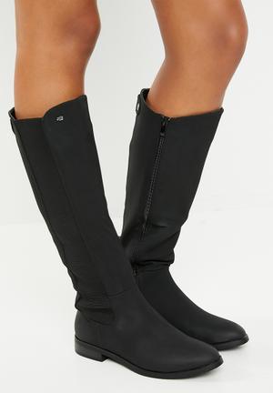 1ff3b330855 Knee length boot - black