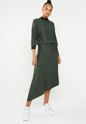 9fcff94cd550 Asymmetric waisted knit dress - black   khaki