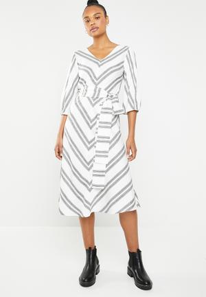 V-neck blouson sleeve dress - black   white 4a5a7c98713f