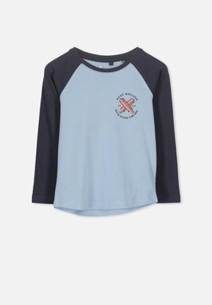1274e84ffe3b Tom long sleeve raglan tee - blue   navy