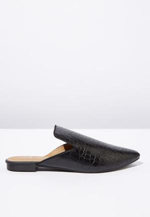 c13064e4444 Faux crocodile leather pointed slipper mule - black