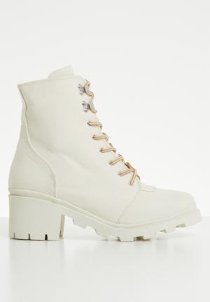 Canvas hiking boot - cream