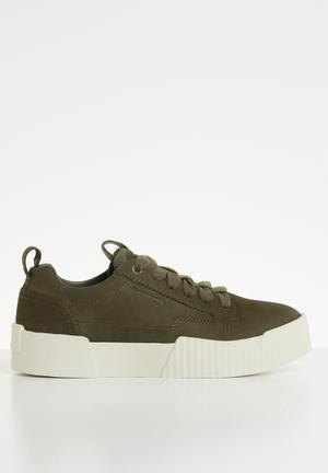 1526711481f Premium rackam core sneaker - dk shamrock