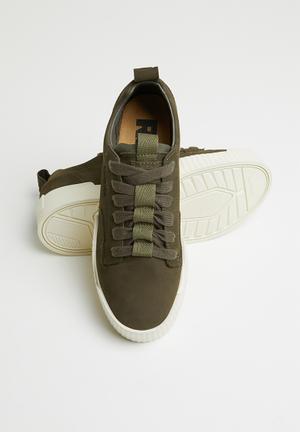 770d31ea14d7 Premium rackam core sneaker - dk shamrock