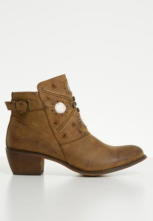 0ec449ac50cd1 Faux leather rustic ankle boot - brown   bronze