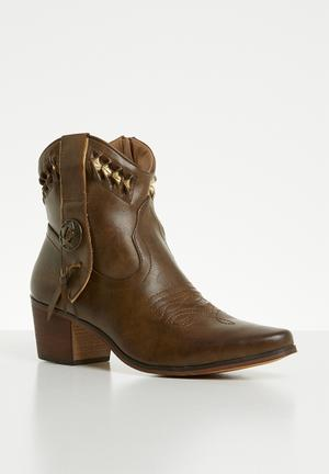 2789d206dcb0 Faux leather laser-cut ankle boot - brown   gold