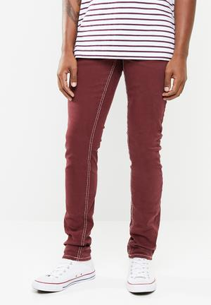 22df90dab69 Slim fit jean - burgundy